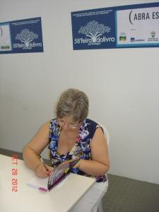 Autografando na 58ª Feira do Livro