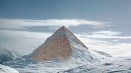 Três pirâmides antigas foram descobertas na Antártida